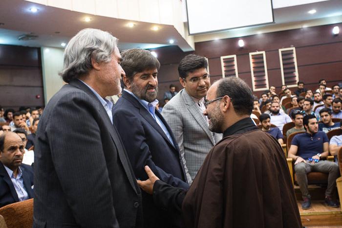 (تصاویر) سخنرانی علی مطهری در مشهد