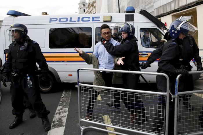 (تصاویر) تظاهرات علیه دیوید کامرون