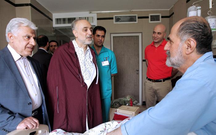 (تصاویر) عیادت صالحی از بیماران