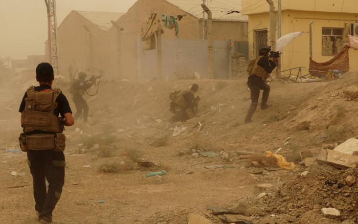 (تصاویر) فرار مردم رمادی از داعش