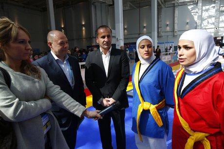 اولین نمایش بینالمللی کشتی زنان ایران +(تصویر)