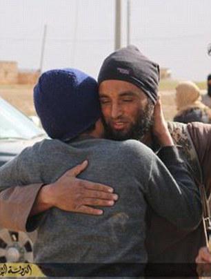 (تصاویر) در آغوش گرفتن محکوم به مرگ