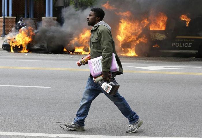 (تصاویر) وضعیت فوقالعاده در «بالتیمور»