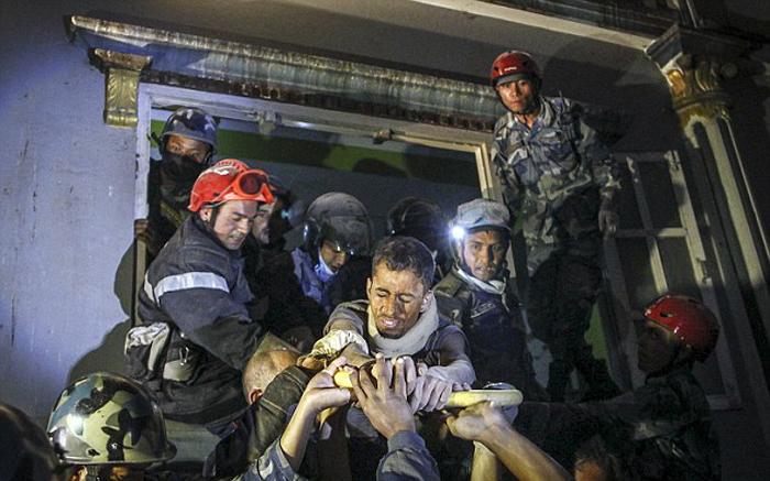 (تصاویر) نجات از زیر آوار پس از 27ساعت