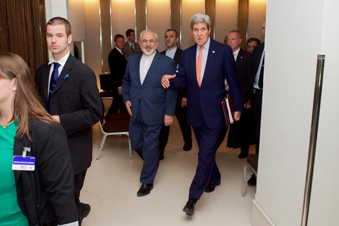 (تصاویر) دیدار ظریف و کری در ژنو آغاز شد