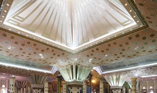 اختلاف نظر درباره ساخت و ساز در مرقد امام