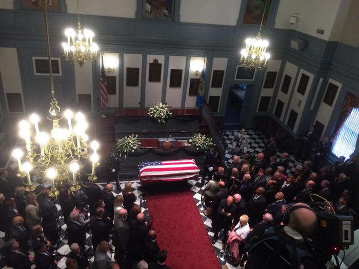 (تصاویر) مراسم تشییع فرزند جو بایدن