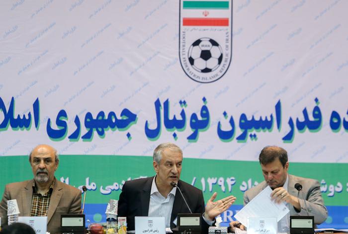 (تصاویر) وزیر ورزش در مجمع فدراسیون فوتبال