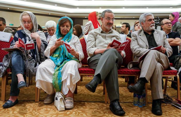 همسر علی دایی همسر رضا کیانیان ثروت علی دایی بیوگرافی مونا فرخ آذری