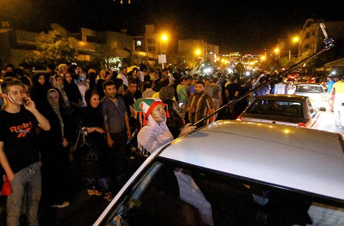(تصاویر) کارناوال شادی پس از دومین برد از امریکا