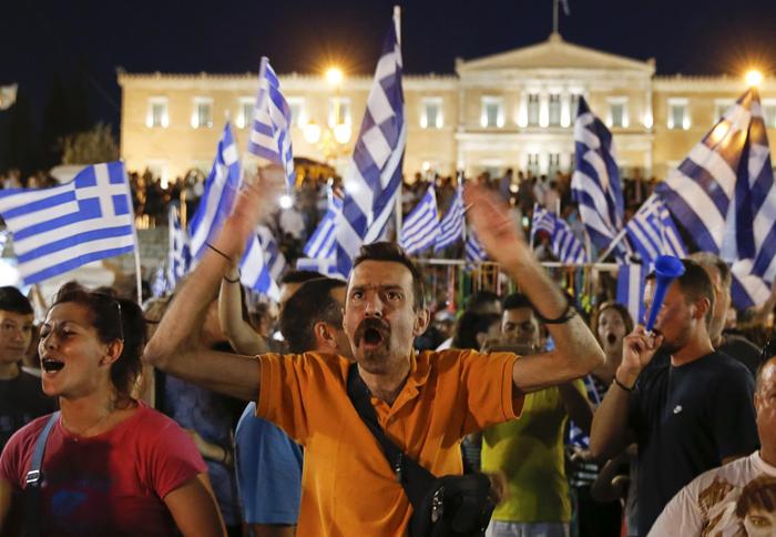 (تصاویر) جشن پیروزی در یونان پس از رفراندوم