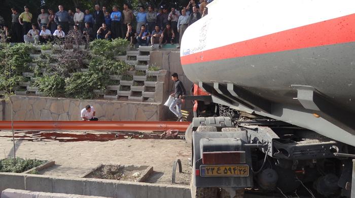 (تصاویر) ترمز بریدن مرگبار نفتکش در سنندج
