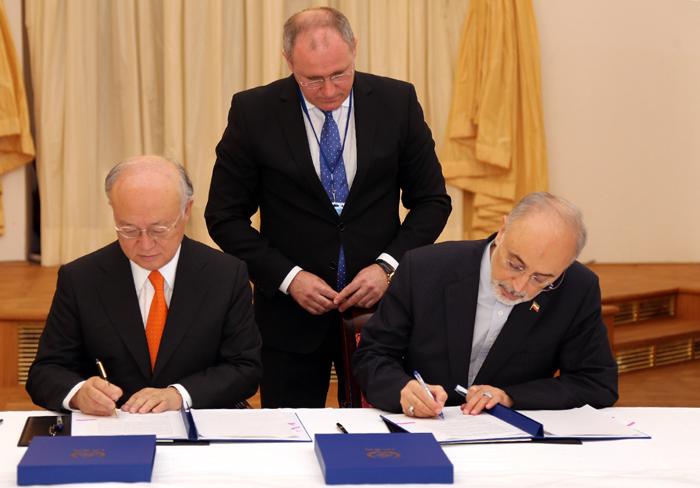 (تصویر) صالحی و آمانو توافق کردند
