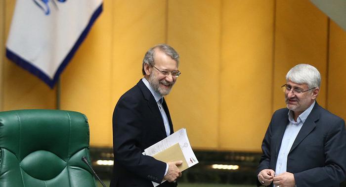شادمانی مردم پس از توافق هستهای؛ تیم مذاکرهکننده در مشهد،