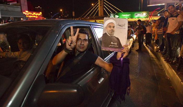 (تصاویر) گزارش رویترز از جشن هستهای در تهران