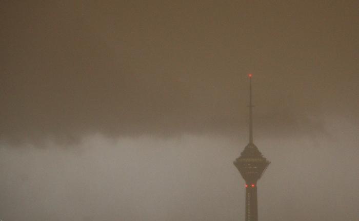 (تصاویر) توفان و رگبار در تهران و کرج