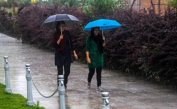 (تصاویر) بارندگی کم سابقه در اصفهان