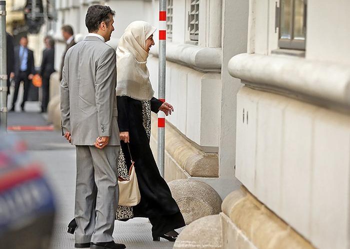 (تصاویر) ورود همسر ظریف به محل مذاکرات