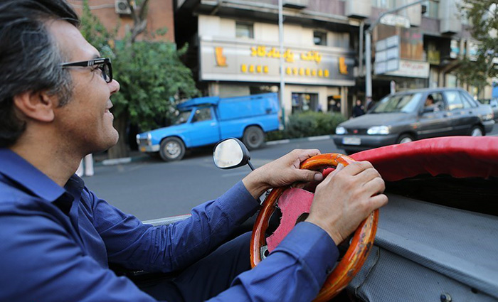 (تصاویر)  سوار بر کفش زنانه در تهران