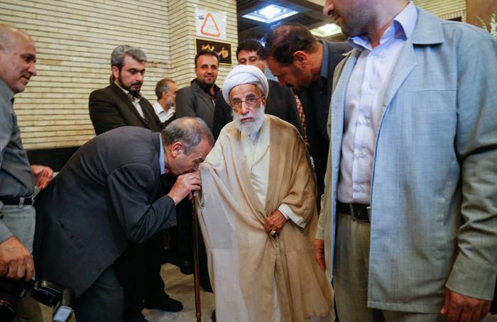 (تصاویر) مقامات در ختم برادر وزیرکشور