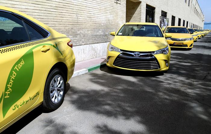(تصاویر) قالیباف پشت فرمان تاکسیهای جدید