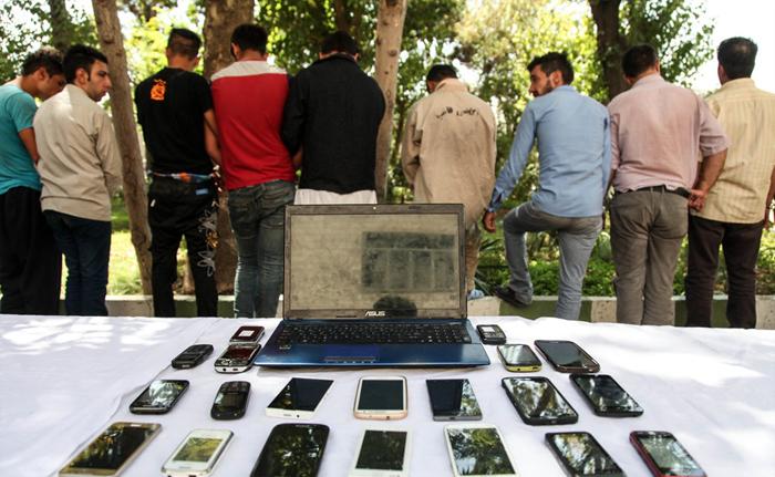 (تصاویر) دستگیری کیفقاپان خشن و سابقهدار