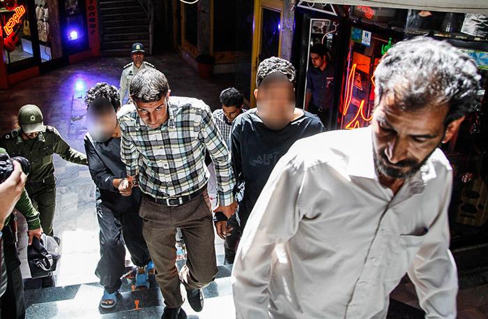 (تصاویر) بازسازی صحنه قتل در سازفروشی