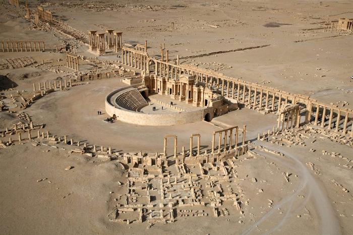 (تصاویر) تخریب معبد تاریخی به دست داعش