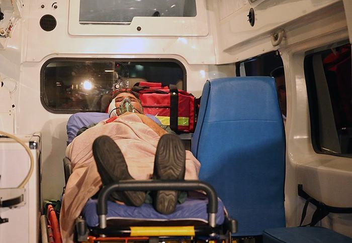 (تصاویر) بازگشت خبرنگار مجروح از سوریه