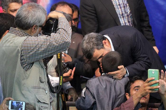 (تصاویر) سخنرانی احمدینژاد در بیرجند