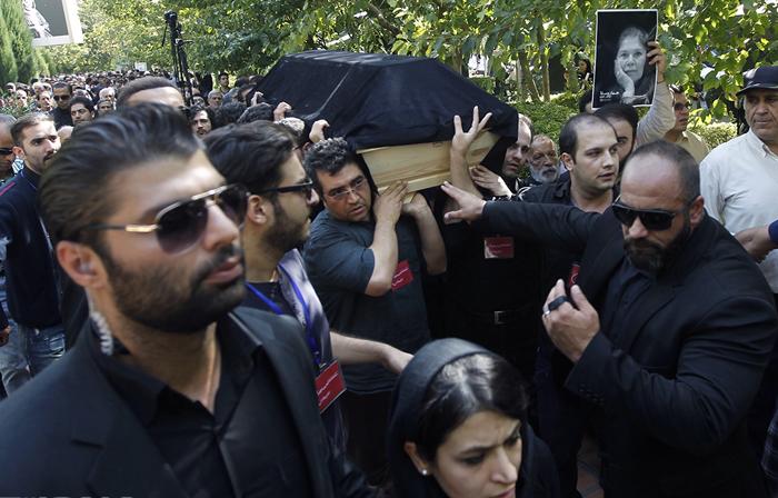 (تصاویر) مراسم تشییع هما روستا