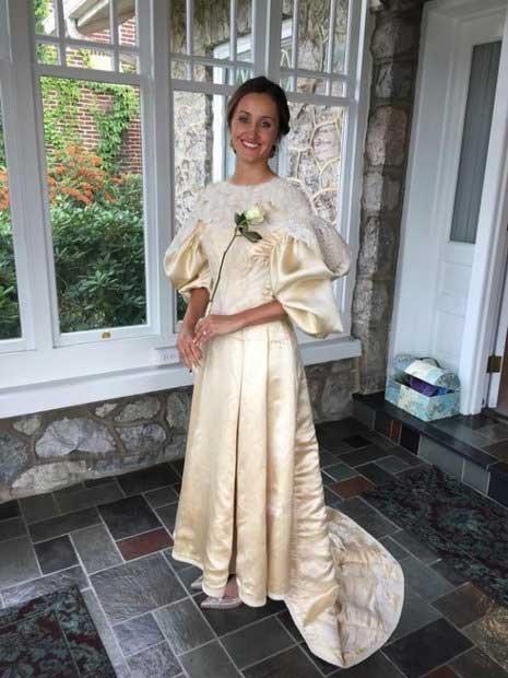 (تصاویر) لباس عروسی که ۱۱ نسل آن را پوشیدند