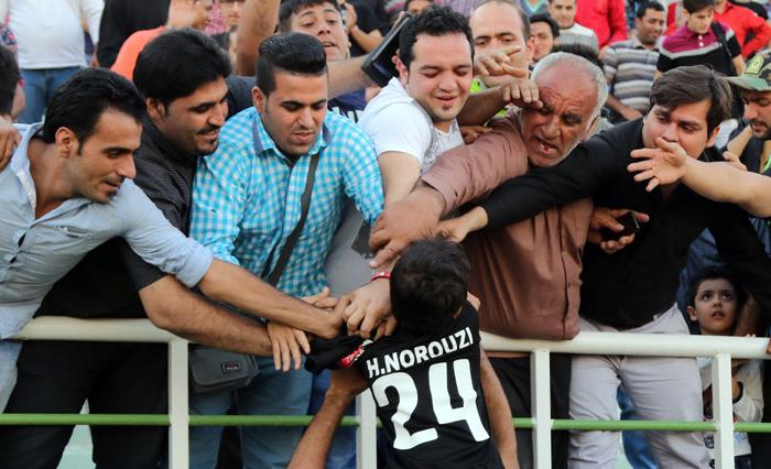 (تصاویر) درخشش پسر نوروزی با بازوبند پدر