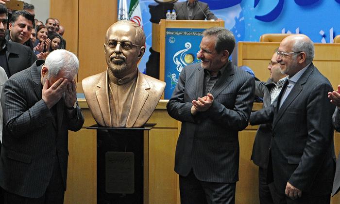 (تصاویر) رونمایی از مجسمه ظریف