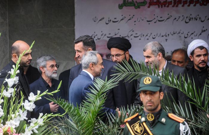 (تصاویر) احمدینژاد در تشییع شهدای حرم