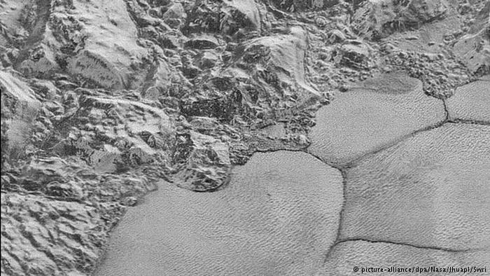ناسا تصاویری تماشایی از سطح پلوتون منتشر کرد