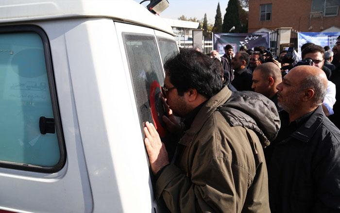 پیکر مرحوم رکنآبادی وارد تهران شد