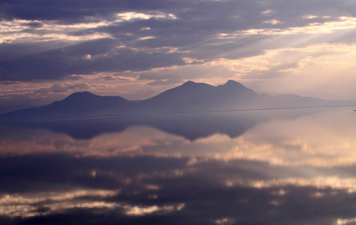 (تصاویر) رهاسازی آب سد بوکان در دریاچه ارومیه