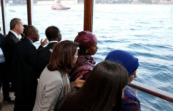 (تصاویر) ضیافت شام اجلاس کشورهای اسلامی روی کشتی تفریحی