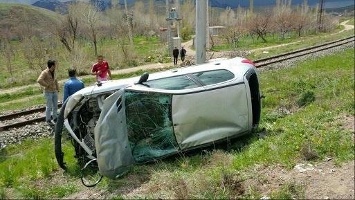 (تصویر) خودرو بازیکن سابق تراکتورسازی واژگون شد