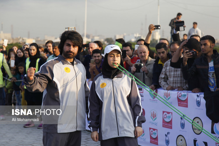 (تصاویر) رکوردشکنی دندانهای قدرتمند دختر ایرانی