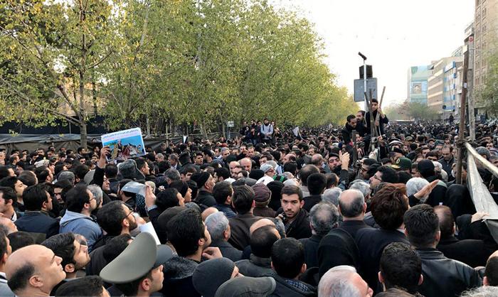 (تصاویر) آغاز مراسم تشییع پیکر هاشمی