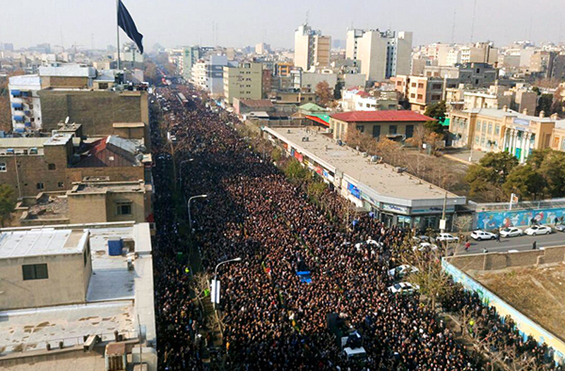 (تصاویر) پیکر هاشمی میان سیل جمعیت