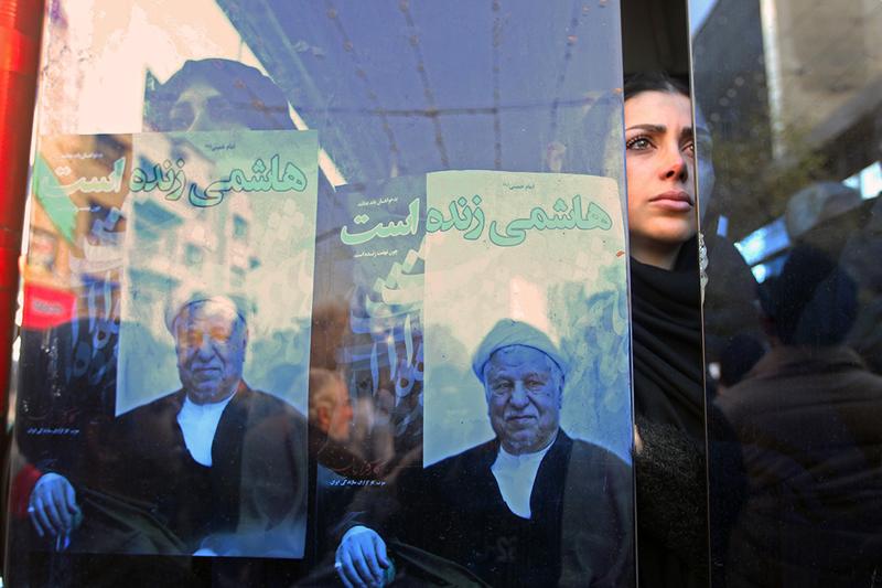 (تصاویر) چهرههای متفاوت در بدرقه هاشمی