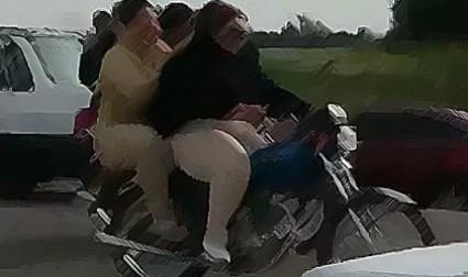 واکنشها به حکم شلاق یک خبرنگار و بازداشت دو زن موتورسوار