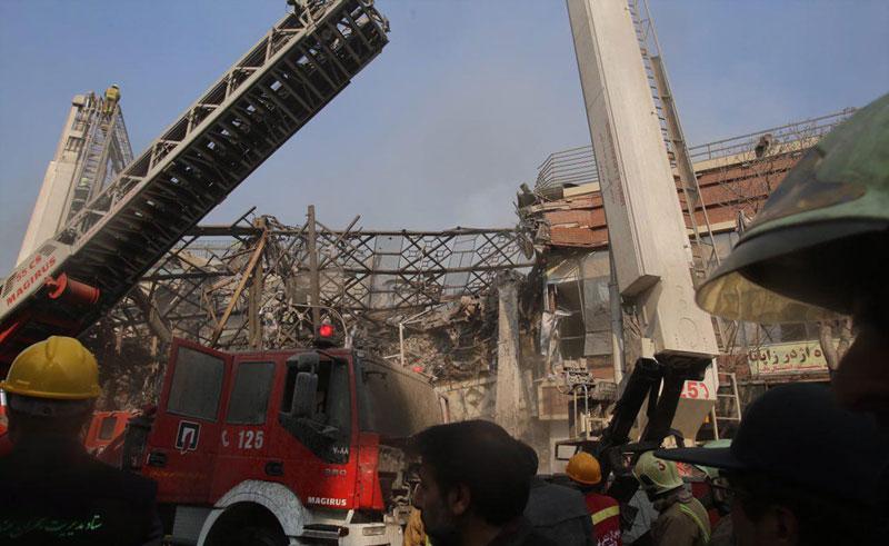 تصاویر/ پلاسکو در آتش سوخت و فرو ریخت