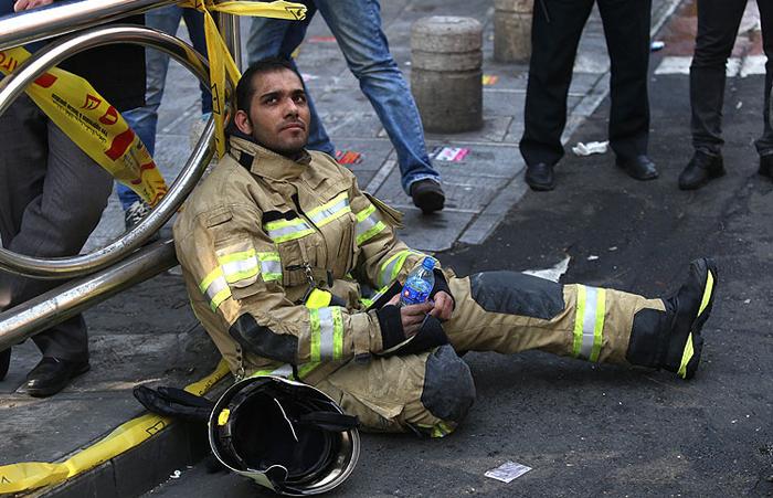 (تصاویر) آتشنشانان در بهتِ فاجعه