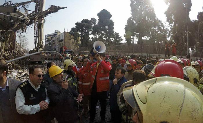 (تصاویر) مقامات و مسئولین در محل حادثه پلاسکو