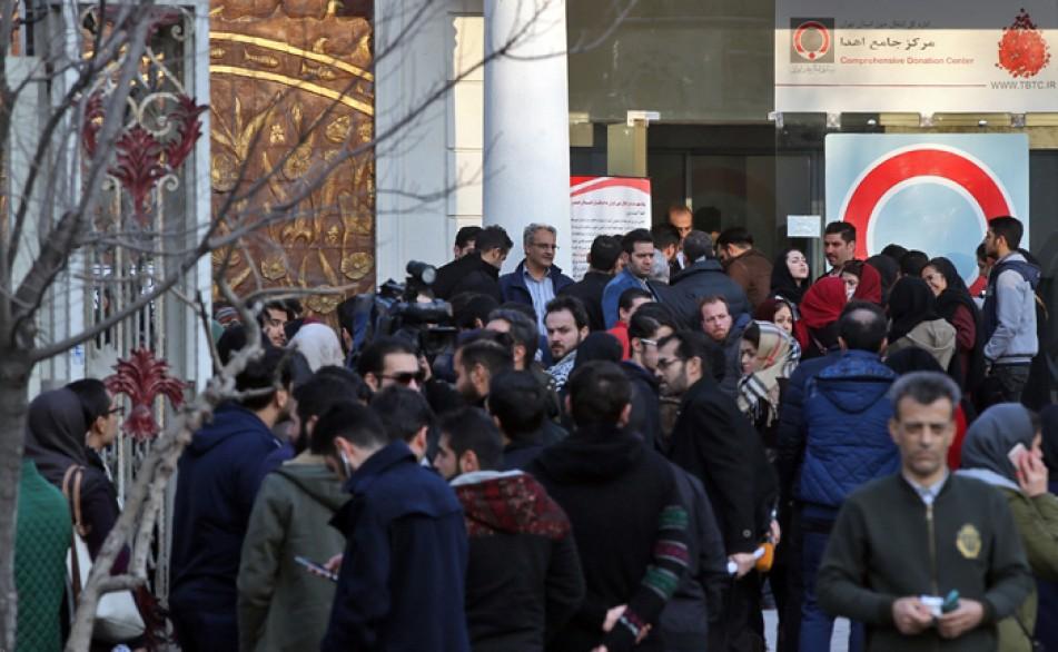 (تصاویر) صف طوبل برای اهداء خون در تهران