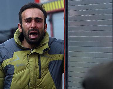 (تصاویر) آتشنشانان در اشک و بُهت فاجعه